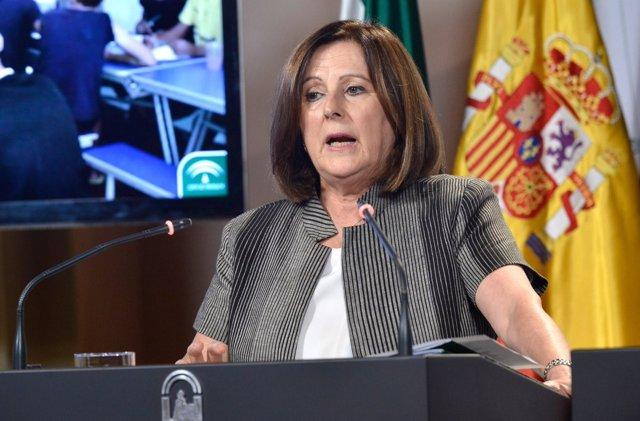 La consejera María José Sánchez Rubio tras el Consejo de Gobierno