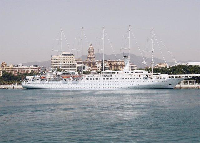 Crucero de lujo en el puerto de Málaga