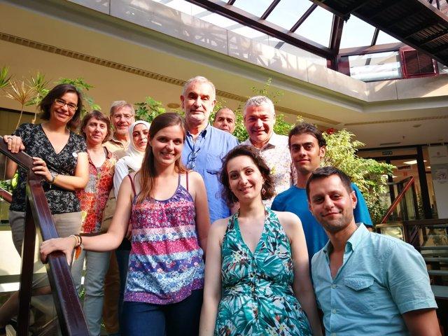 Primeros universitarios llegados desde Líbano, con el secr.O.Amorós