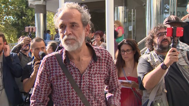 L'actor Willy Toledo surt dels jutjats