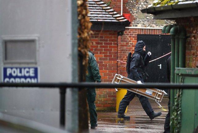 Despliegue policial en una zona visitada por Sergei Skripal en Salisbury