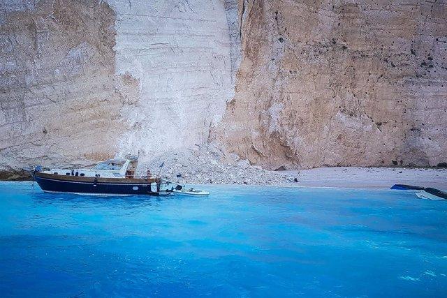 Derrumbe en la playa de Navagio, en la isla de Zakinthos (Grecia)