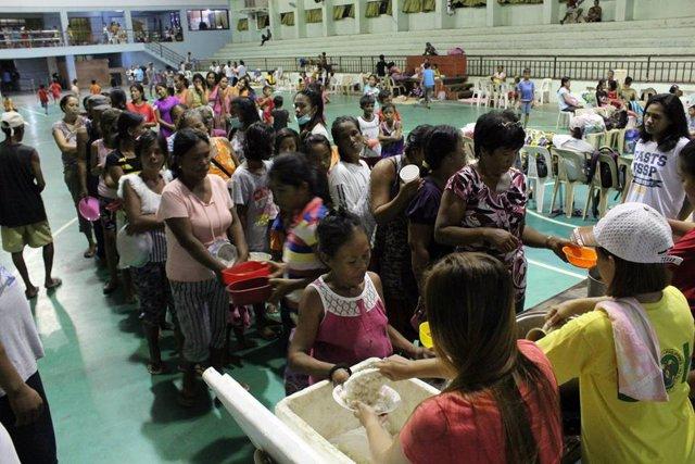 Evacuados por la llegada del tifón Mangkhut a Filipinas
