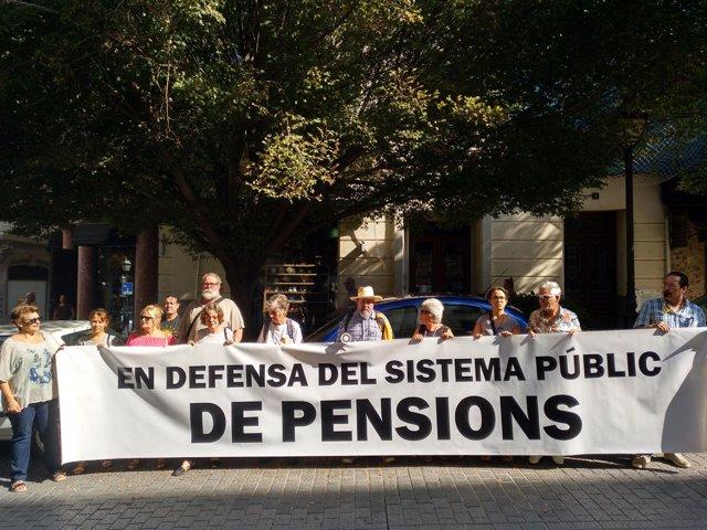 Pensionistas protestan ante la Delegación del Gobierno en Palma y anuncian campaña de acciones