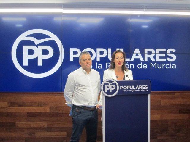 Jesús Cano y Nuria Fuentes, en rueda de prensa