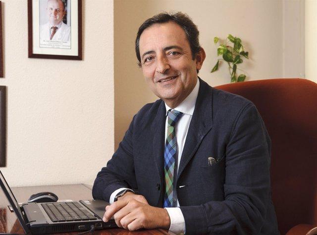 El presidente de la Sociedad Española de Geriatría y Gerontología, José A. López