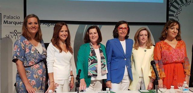 Las consejeras Rosa Aguilar y María José Sánchez Rubio junto a eurodiputadas