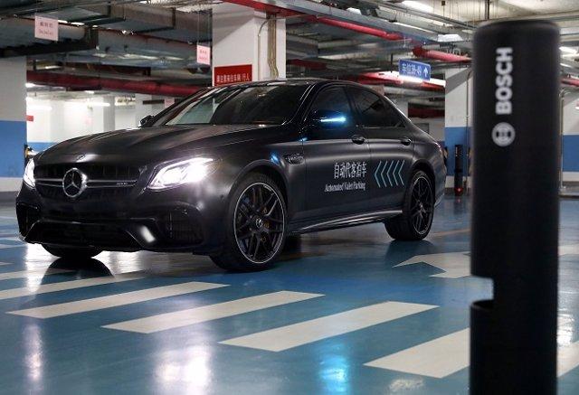 Servicio de estacionamiento autónomo de Daimler y Bosch