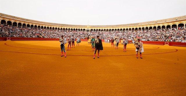 Corrida de toros en la Real Maestranza de Caballería de Sevilla