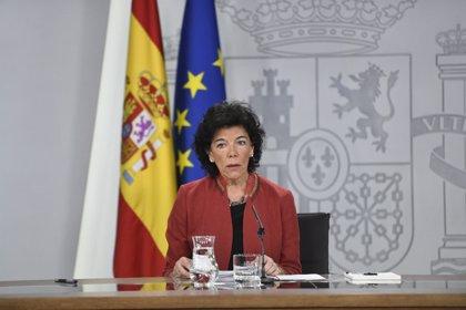 """El Gobierno quiere que PP y Ciudadanos """"pidan perdón"""" a Sánchez por usar su tesis para atacarle"""