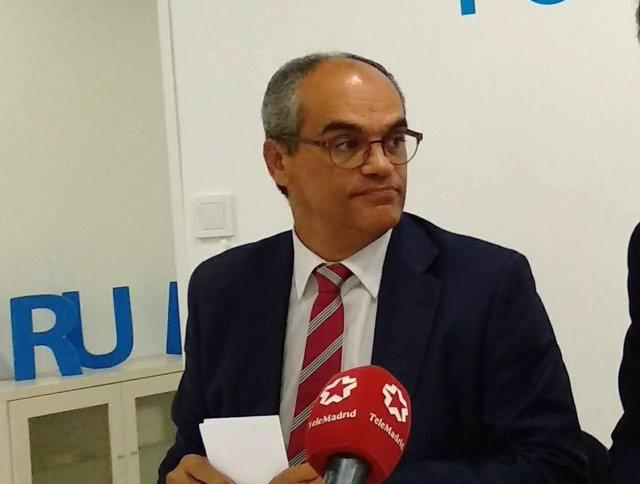 El consejero de Educación, Rafael Van Grieken