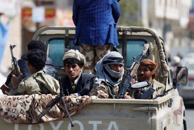 Milicianos huthis en Saná