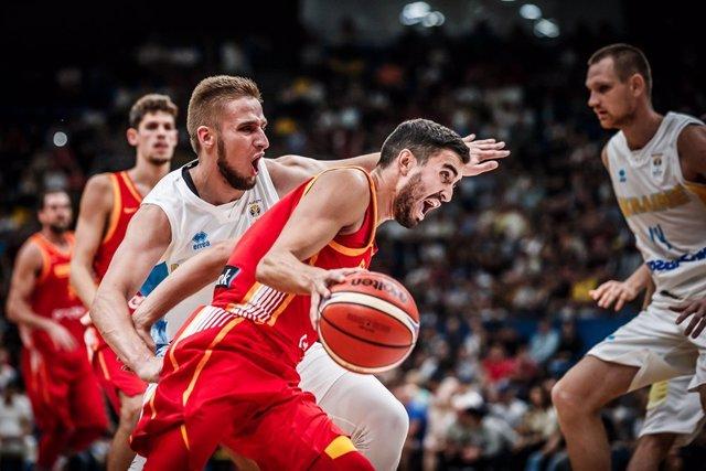 La España de las ventanas pierde su primer partido