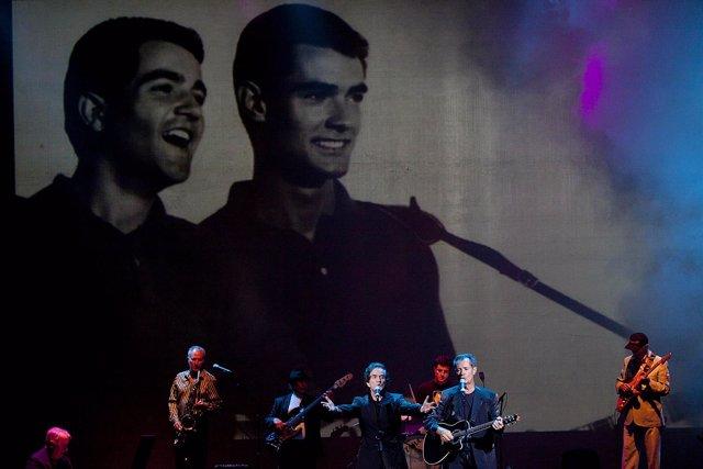 Málaga 08/07/2012 Concierto de música del Dúo Dinámico en el Teatro Cervantes, d