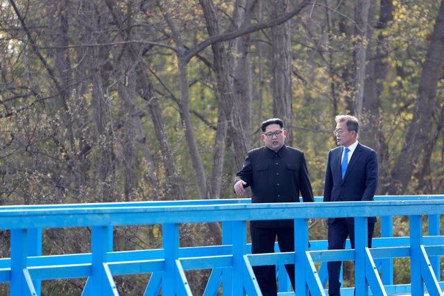 Kim Jong Un y Mooon Jae In