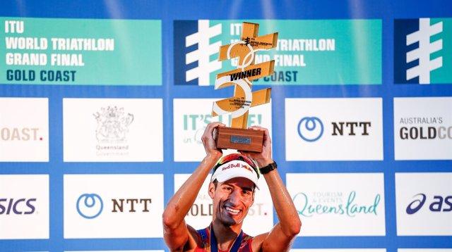 Mario Mola campeón mundo Series Mundiales