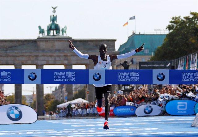 Eliud Kipchoge maratón Berlín récord mundo