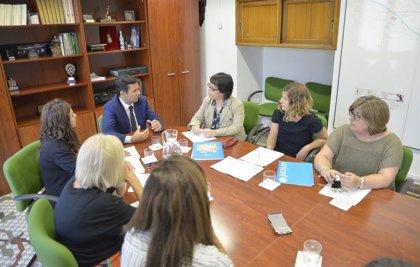 El Ayuntamiento de Granada trabaja con Unicef para renovar el sello 'Ciudad Amiga de la Infancia'