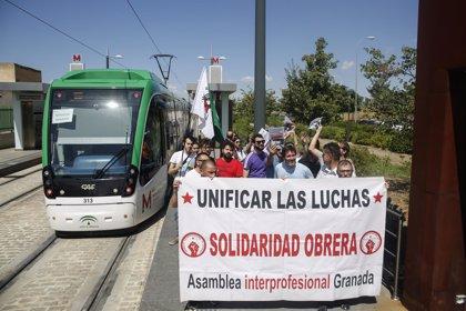 Comienza la segunda semana de paros en el metro de Granada, que culminará con huelga el viernes