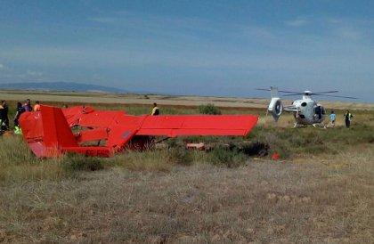 Un herido grave al precipitarse la avioneta que pilotaba en un aeródromo en Tudela