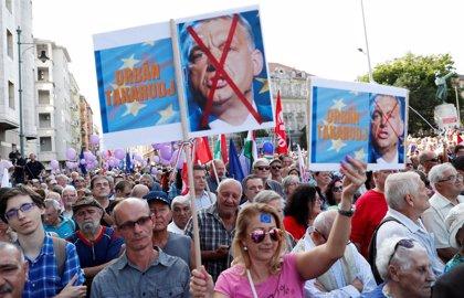 Manifestación contra Orbán y a favor de la UE en Budapest
