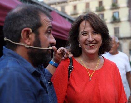 ANC y Òmnium organizan una escritura colectiva de cartas a los Jordis en Barcelona