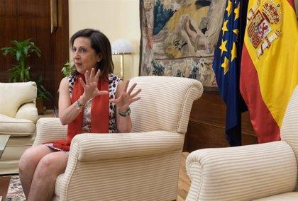 Sánchez admite que la ministra de Defensa no vio el impacto de paralizar la entrega de las bombas a Arabia Saudí