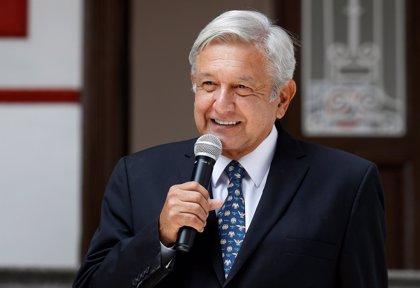 "El presidente electo de México reprocha la ""bancarrota"" de país que recibe, pero asegura que cumplirá todas sus promesas"