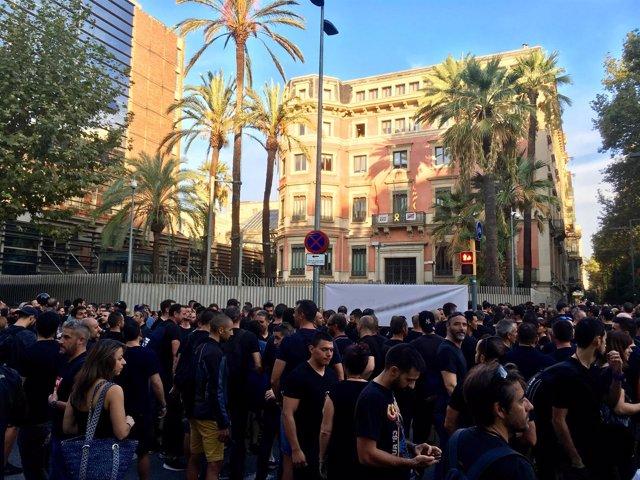 Mossos protestan ante Interior por falta de efectivos