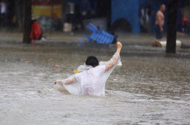 Inundaciones por el paso del tifón 'Mangkhut' por el sur de China