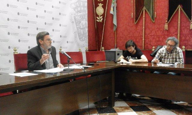 El concejal de Economía, Baldomero Oliver, en rueda de prensa