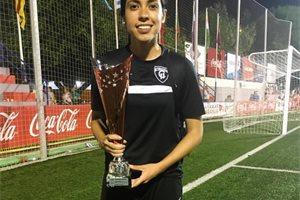 Analú Martínez, el 'huracán' guatemalteco que quiere hacer historia en el fútbol femenino
