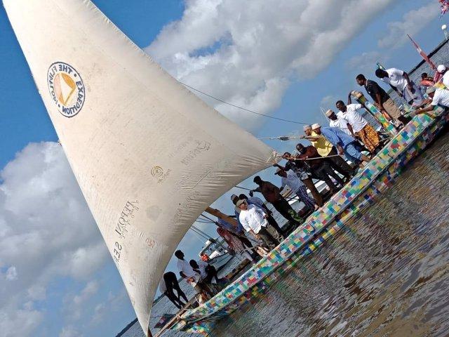 FlipFlopi, primer velero de plástico reciclado del mundo