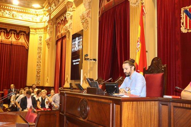 El presidente del Parlament, Baltasar Picornell, en la jornada sobre ciencia