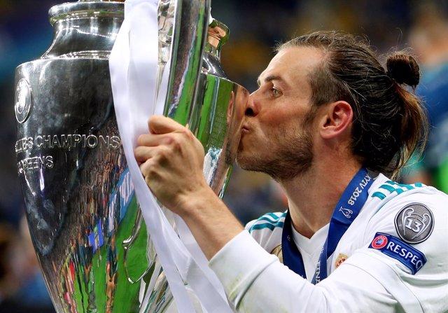 Garteh Bale besa la Champions