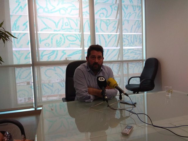 Natxo Costa en rueda de prensa