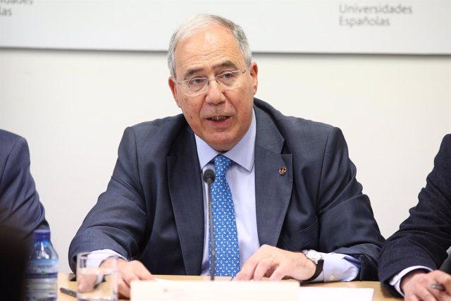 Rueda de prensa del presidente de la CRUE, Roberto Fernández