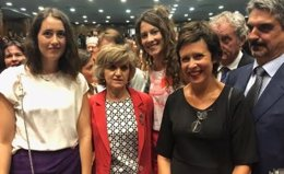 La ministra de Sanidad con representantes de FEDER
