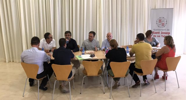 Reunión de los alcaldes de Sant Antoni y Sant Josep
