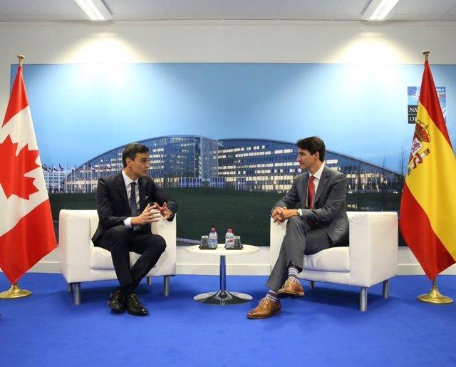 Pedro Sánchez se reúne con Justin Trudeau durante la Cumbre de la OTAN