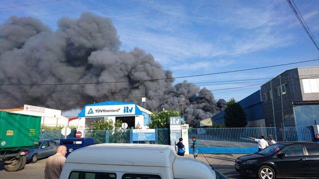 Incendio de una nave en Manzanares