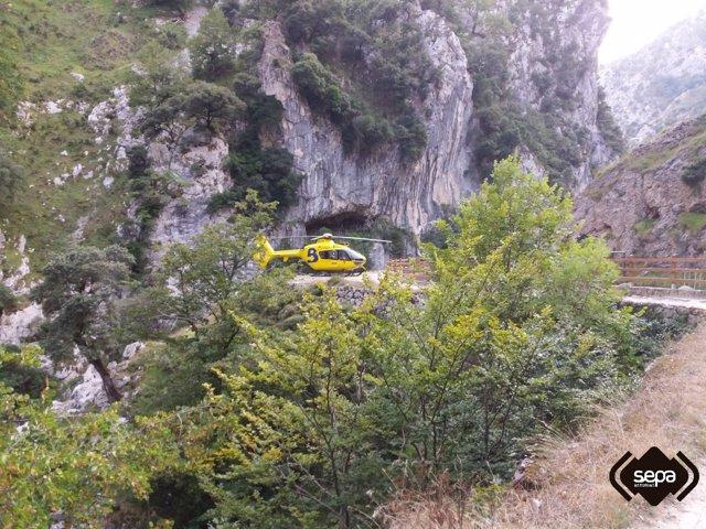 Rescate cadáver de senderista en Ruta del Cares