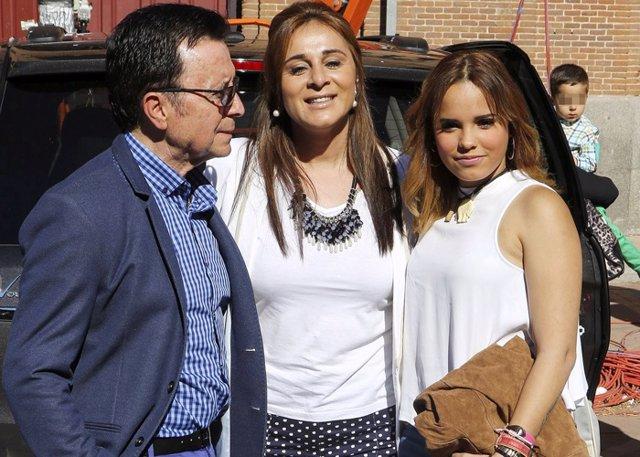 Ortega cano con gloria camila y maria aldón en los toros