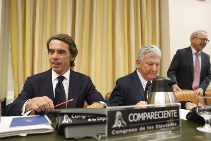 Aznar se burla del Gobierno por las bombas para Arabia y niega que soldados españoles participaran en la guerra de Irak