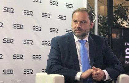 """Ábalos, """"optimista"""" ante los PGE: El gobierno de Rajoy """"tenía más diputados pero menos capacidad de llegar a acuerdos"""""""
