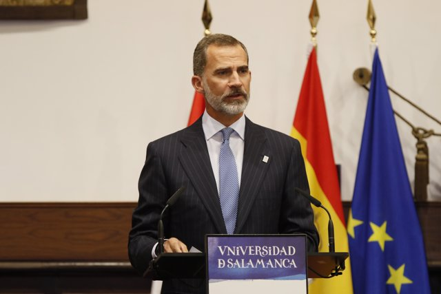 Los Reyes presiden el acto de la celebración del 30 aniversario de la firma de l