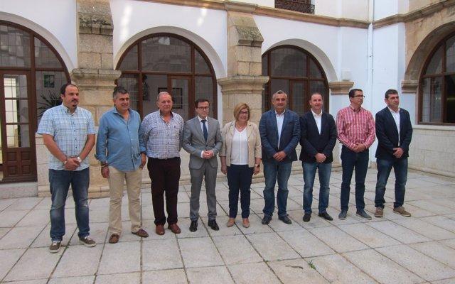Las diputaciones de Cáceres y Badajoz se coordinan para ganar en seguridad en la extinción de incendios