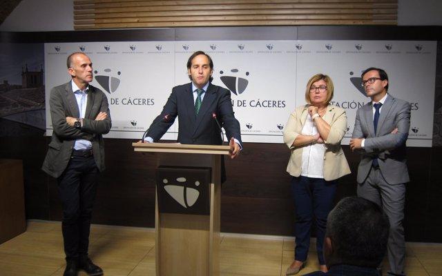 La Junta de Extremadura busca aliados para un pacto social y político contra la despoblación