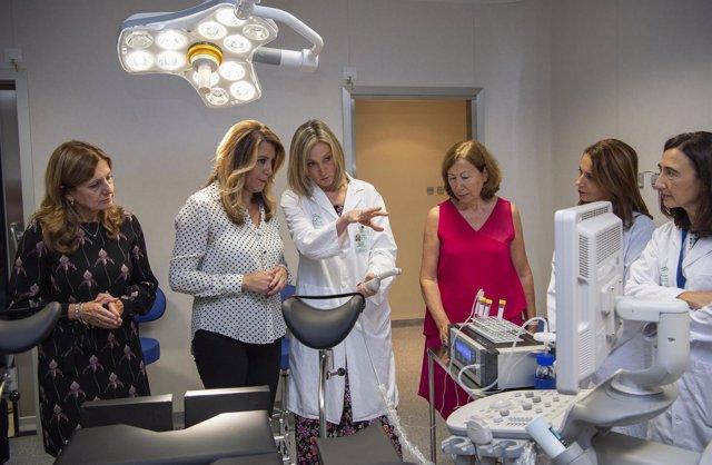 Susana Díaz visita la nueva unidade de reproducción asistida del Valme