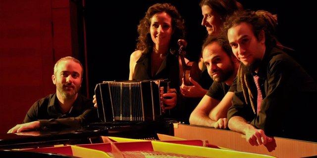La orquesta 'El Piropo'.